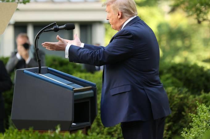 You are currently viewing Trump diz que dados sobre emprego provam que EUA está se recuperando