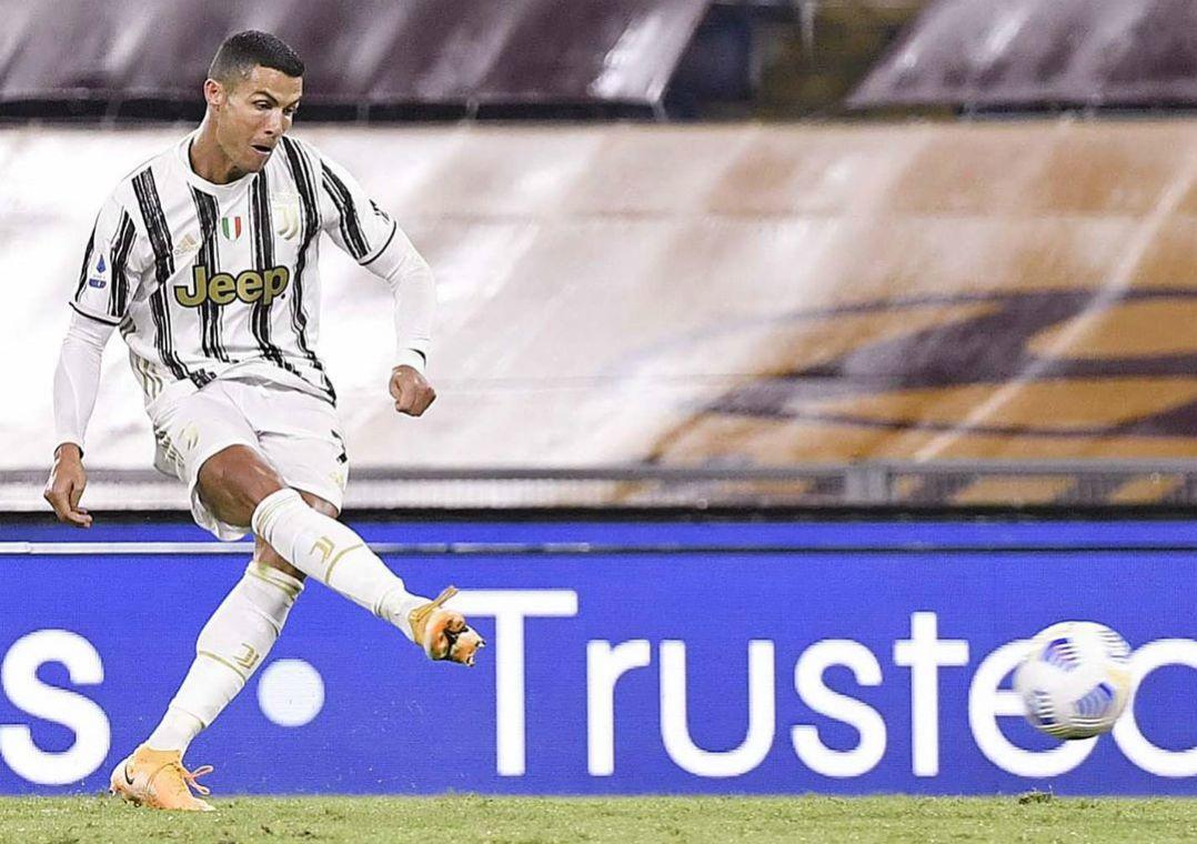 Com dois de CR7, Juventus busca empate com a Roma