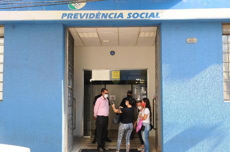 Médicos peritos devem retomar consultas em 87 agências do INSS