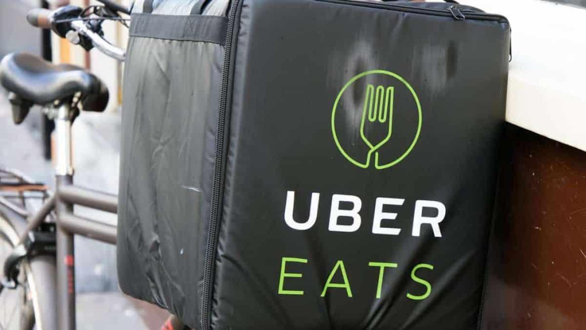Restaurantes agora podem ter site próprio no Uber Eats, sem taxa