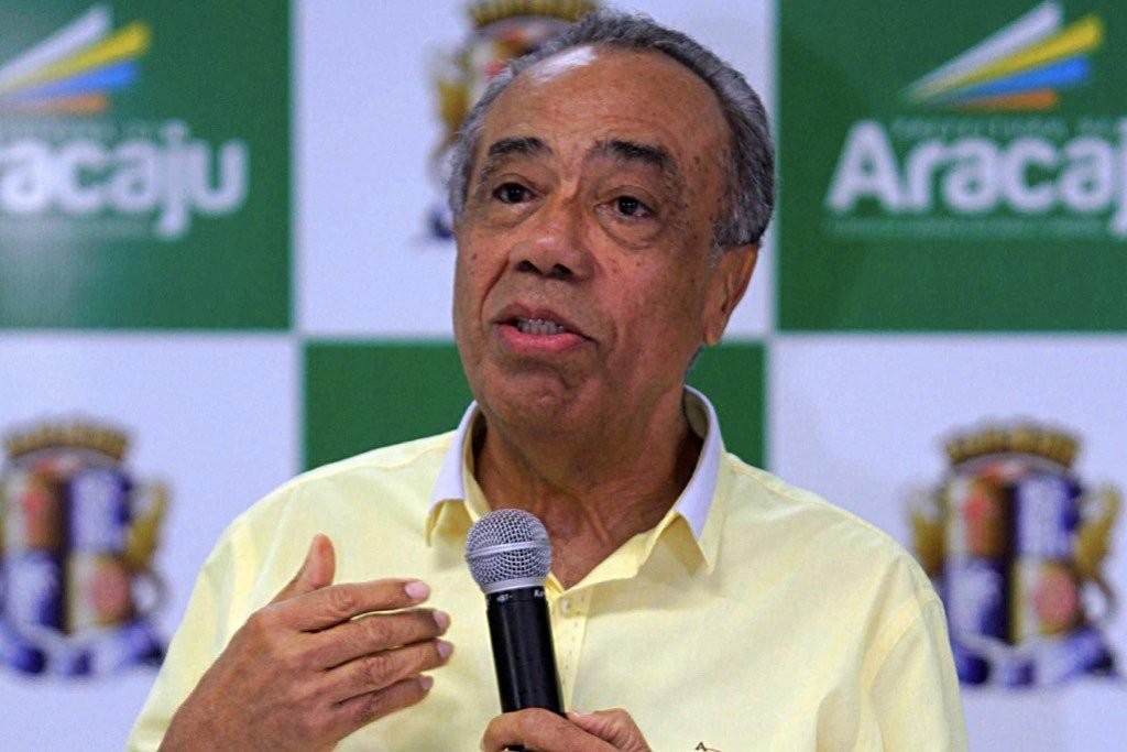 Ex-governador de Sergipe, João Alves Filho é hospitalizado em Brasília