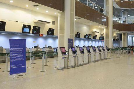 Anvisa fiscaliza voos vindos do Reino Unido por precaução contra covid-19