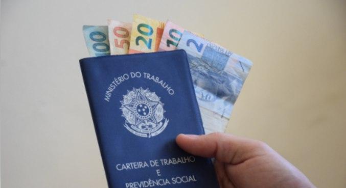 You are currently viewing Abono salarial de até R$ 1.100 começa a ser pago nesta terça-feira