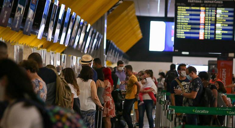 You are currently viewing Brasil proíbe voos da África do Sul para frear nova variante da covid