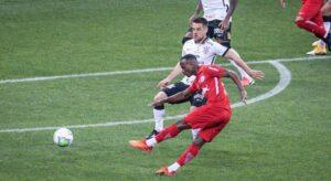 Corinthians sofre 'gol relâmpago' e perde para Bragantino na Arena