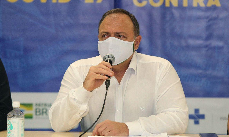 Pazuello anuncia força-tarefa para acelerar vacinação em Manaus