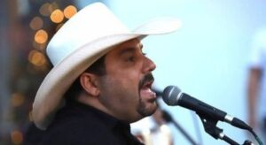 Read more about the article Internado com covid, cantor Edson apresenta 'avanços significativos'