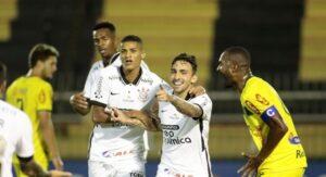 Cássio pega pênalti no fim, e Corinthians bate Mirassol por 1 a 0