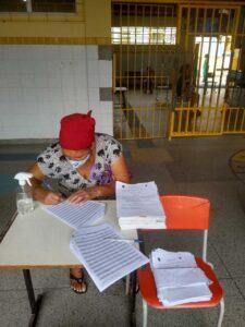 Escolas municipais iniciam entrega de materiais pedagógicos para o ensino remoto