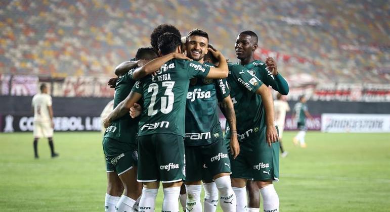 Palmeiras supera pane no 2º tempo e bate o Universitario na estreia