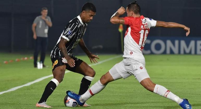 You are currently viewing Corinthians só empata com River-PAR na estreia da Sul-Americana