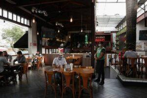 Academias, bares, restaurantes e salões de beleza podem ter o serviço suspenso em Aracaju