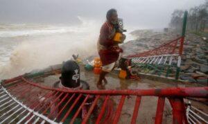 Read more about the article Índia: ciclone já causou duas mortes e danos em cerca de 20 mil casas
