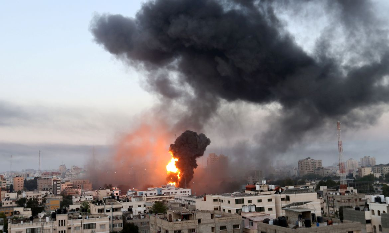 You are currently viewing Tropas israelenses se posicionam na fronteira da Faixa de Gaza