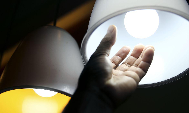 You are currently viewing Aneel prorroga proibição de corte de luz por inadimplência