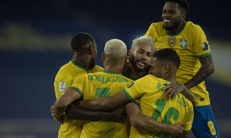 You are currently viewing Brasil goleia seleção peruana e segue 100% na Copa América