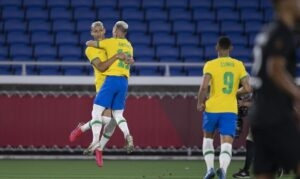 Read more about the article Richarlison brilha e Brasil vence Alemanha na estreia da Olimpíada
