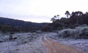 Read more about the article Massa de ar polar seca provocou neve e geada no Sul