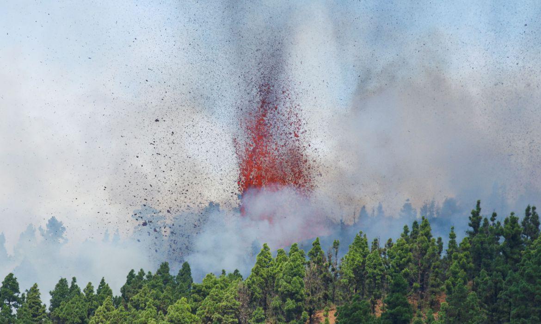 You are currently viewing Vulcão Cumbre Vieja entra em erupção no Arquipélago das Canárias